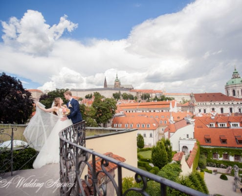 Dasha & Andrew in the Pruhonice Castle