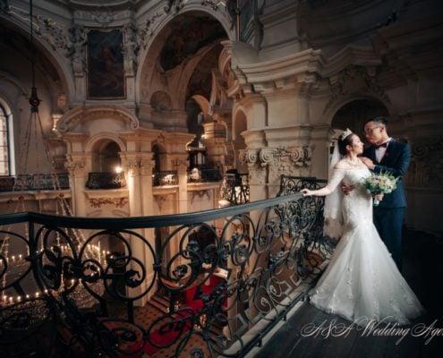Свадьба в церкви в Праге